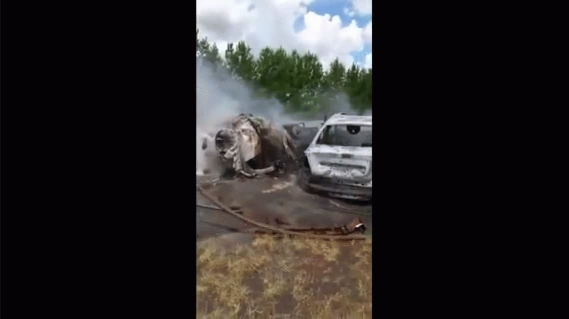 Dos autos chocaron y se incendiaron en Misiones: diez muertos