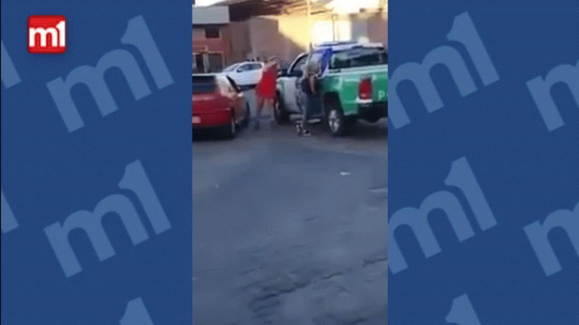 Escándalo en Quilmes: dos policías se hicieron los galanes y terminaron desafectados