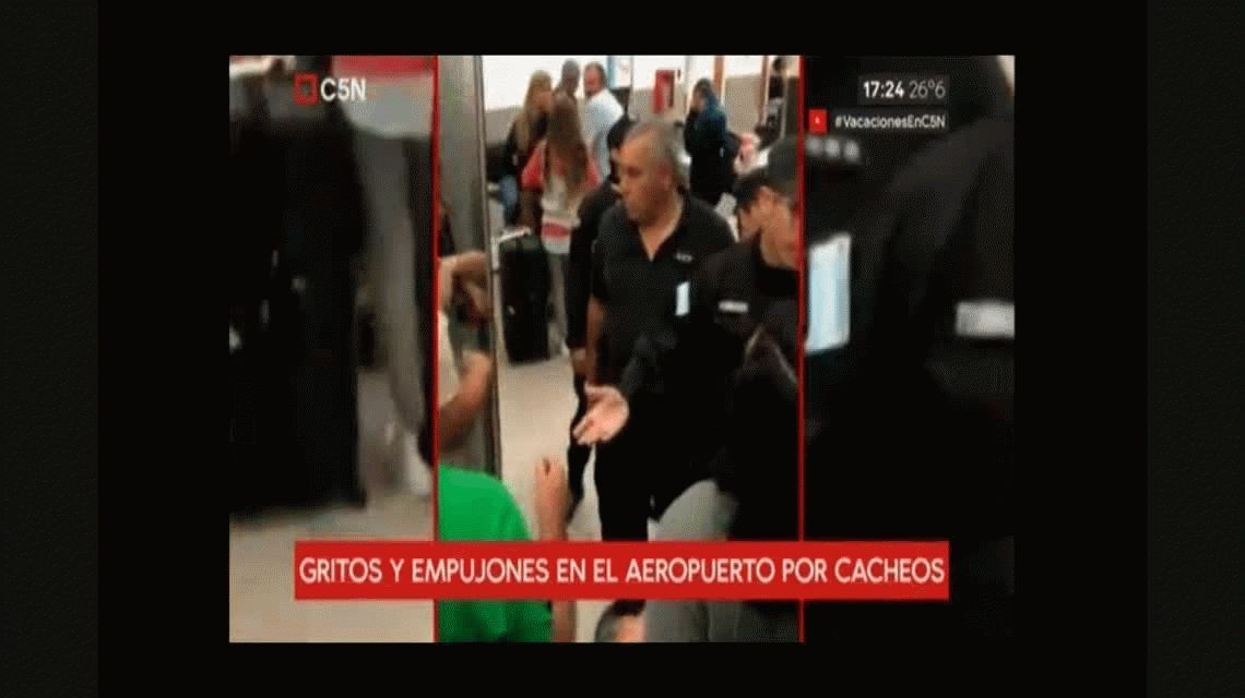 Furia en el aeropuerto de Rosario: la AFIP detuvo a unas chicas que volvían de Disney