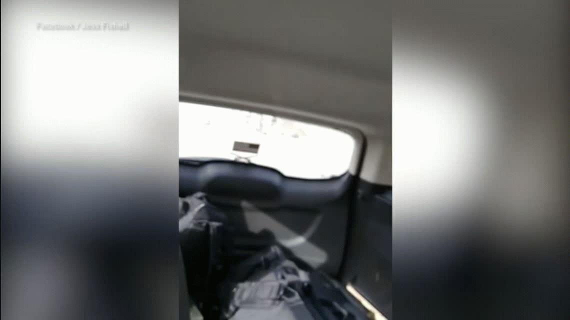 Lo persigue la policía por manejar un cuatri desnudo y a contramano por la ruta