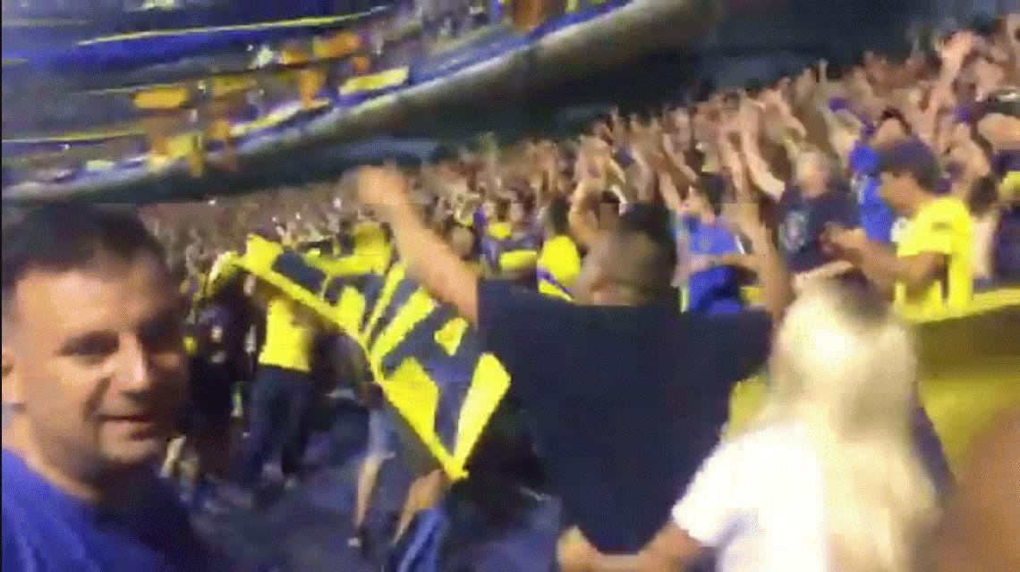 ¡Boca vive de fiesta! El domingo se armó el trencito del carnaval carioca en la tribuna