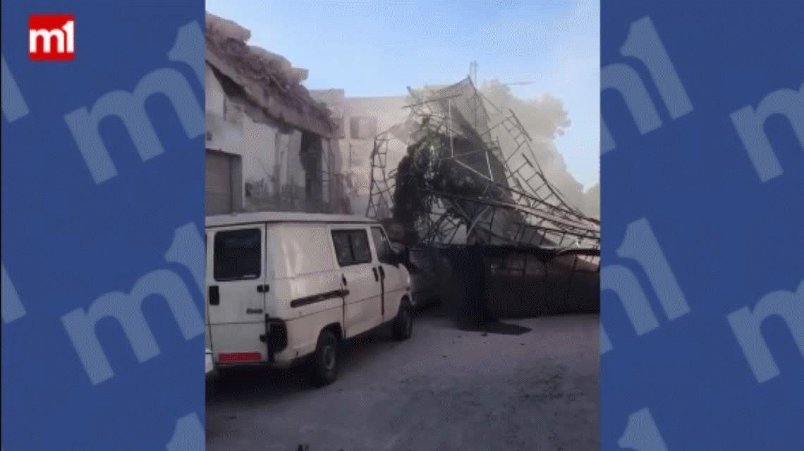 Se derrumbó una pared de una obra en Flores: Todavía no sabemos si hay heridos