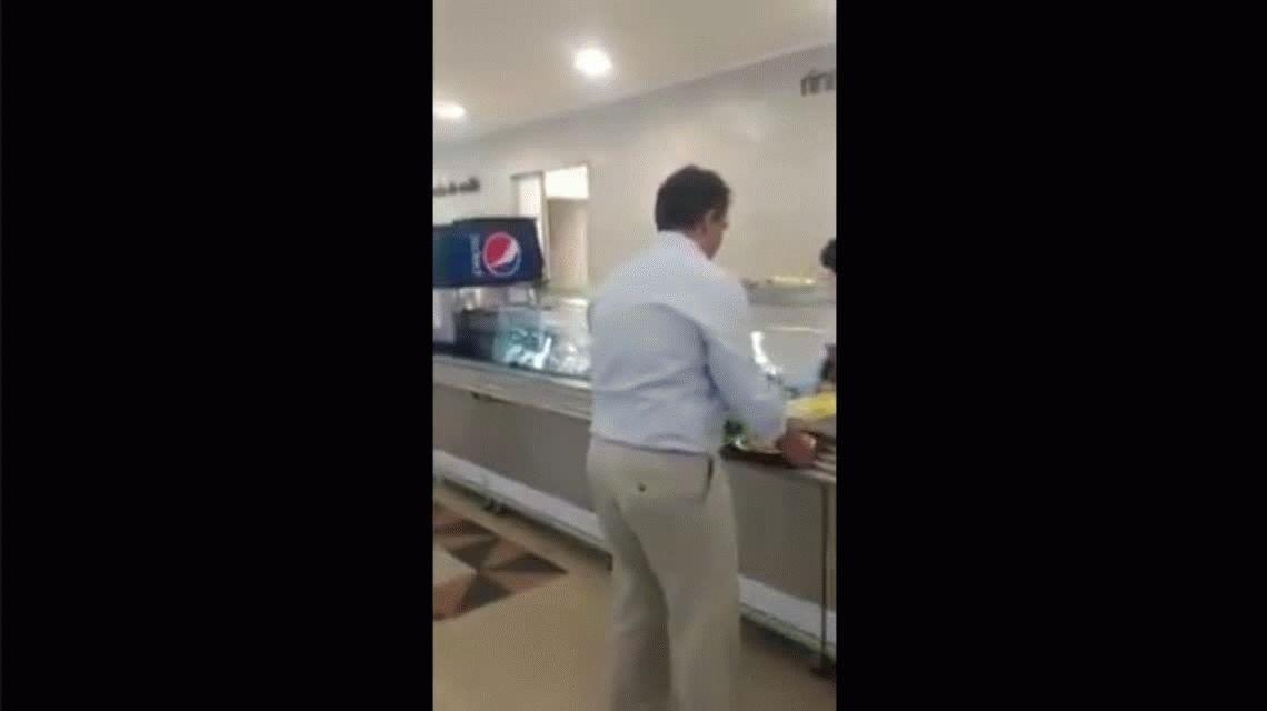 Trabajadores del INTI echan del comedor a persona que delata a los despedidos