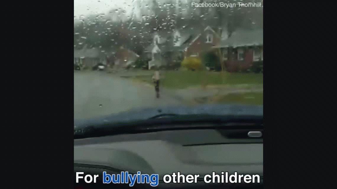 Brutal castigo de un papá a su hijo que hacía bullying: Dio resultado