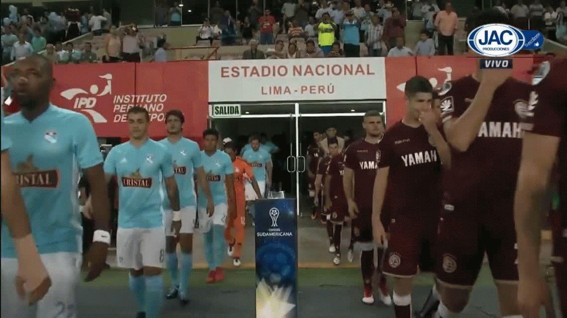Lanús perdió en Perú pero avanza en la Sudamericana
