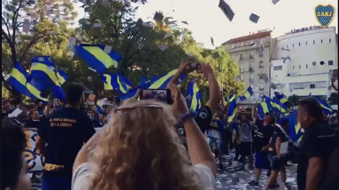 Las diagonales de La Plata se tiñeron de azul y oro