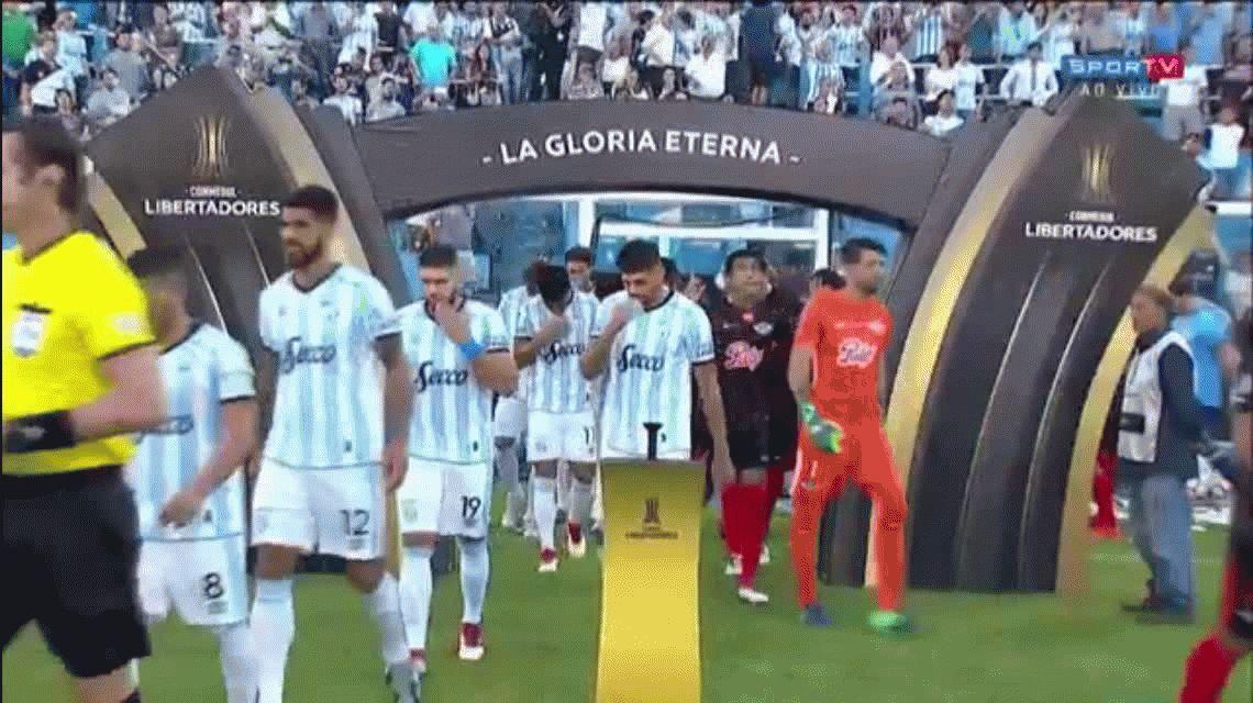 Atlético Tucumán perdió el invicto internacional como local ante Libertad de Paraguay