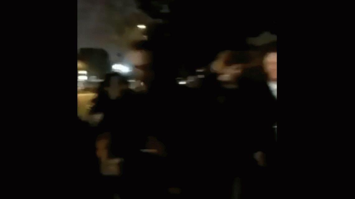 Un hincha se cruzó con Van Gaal y le reclamó por no poner a Riquelme en el Barcelona