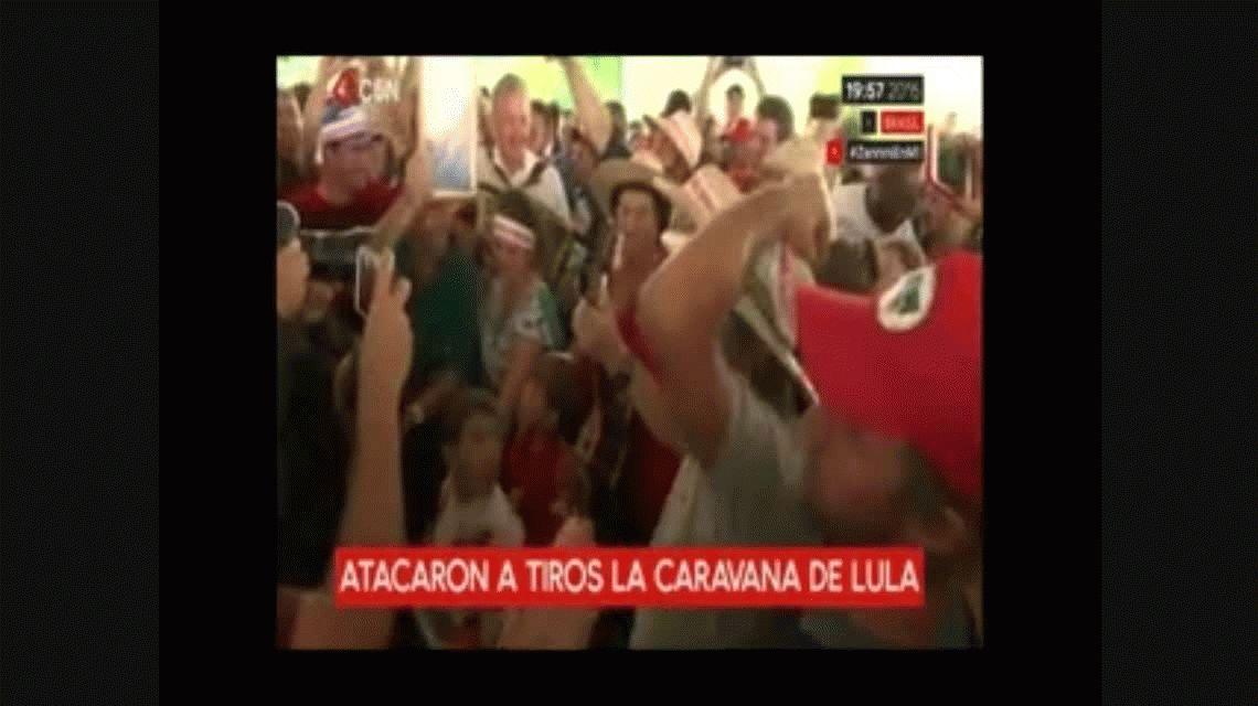 Balean la caravana de Lula en el sur de Brasil