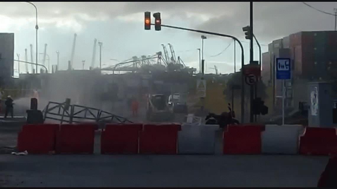 Evacuación y alerta por la rotura de un caño de gas en Retiro