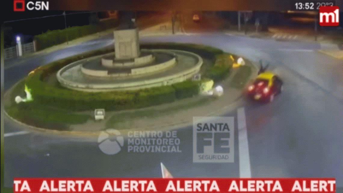 VIDEO: Un taxista atropelló a un skater en Rosario y le fracturó el cráneo