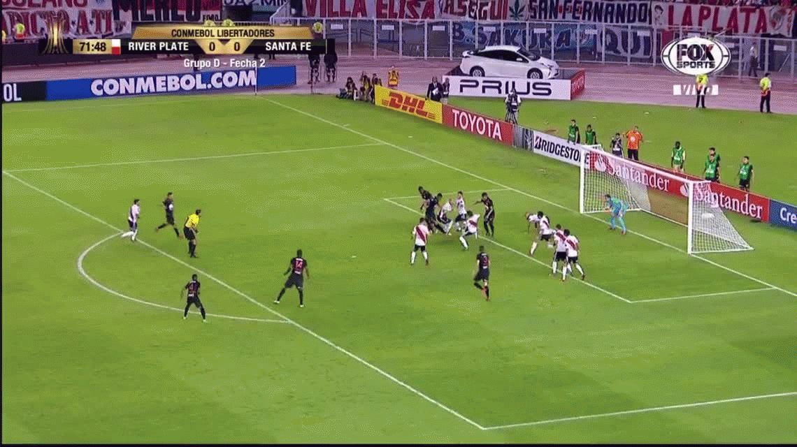 La atajada Mundial de Armani que  salvó a River de perder ante Independiente Santa Fe