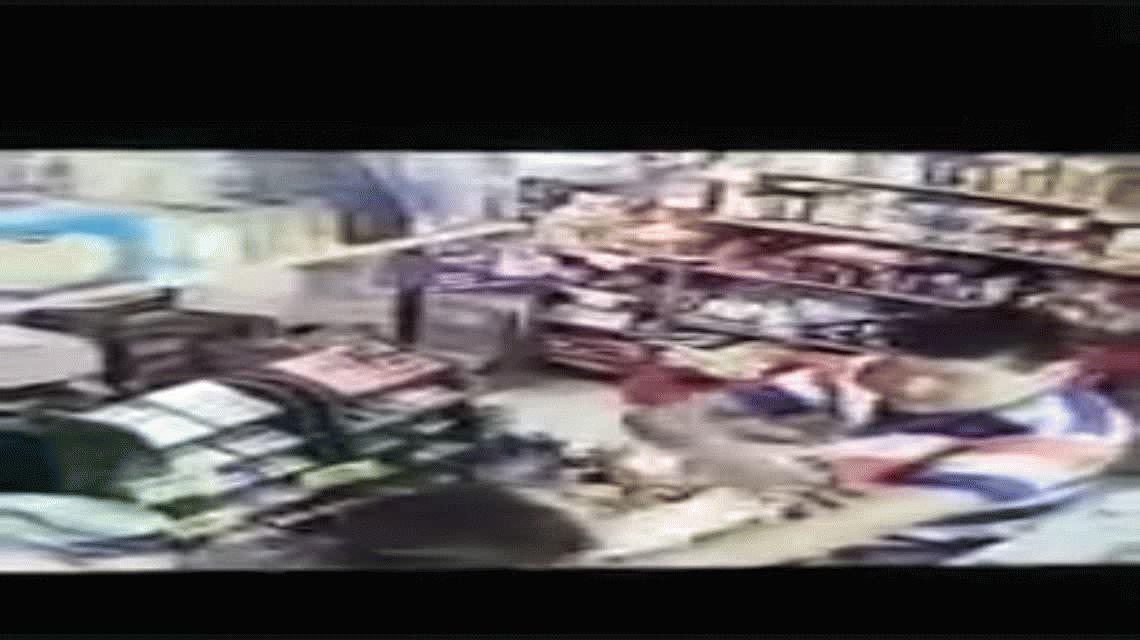 La kiosquera atacada por no recibir un billete de $2 : Había gente pero nadie se metió a defenderme