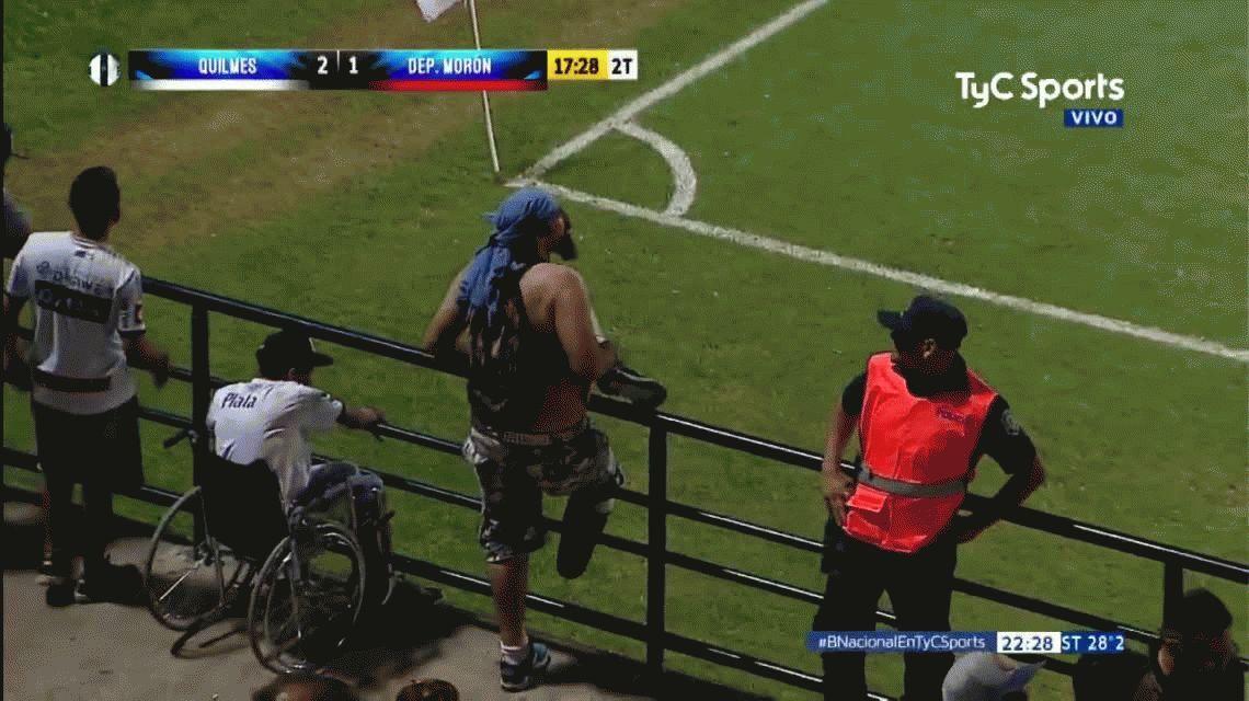 Esto es pasión: festejó el triunfo de Quilmes revoleando su pierna ortopédica