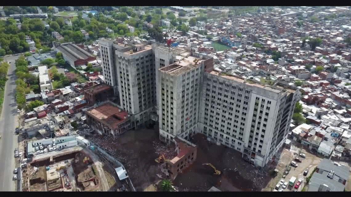 Desde un dron: mirá la  demolición del Elefante Blanco