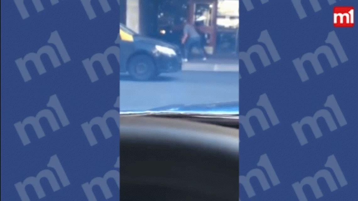 VIDEO: Violenta pelea entre dos automovilistas en Rosario