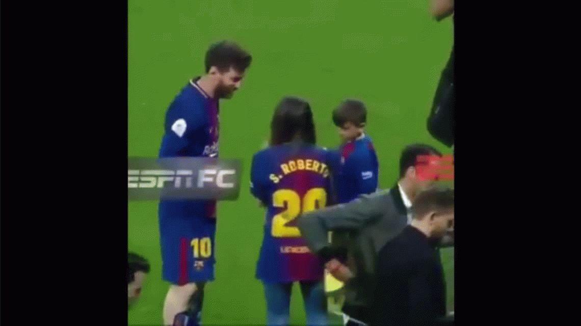 La increíble reacción de Messi cuando una fanática le pidió una foto