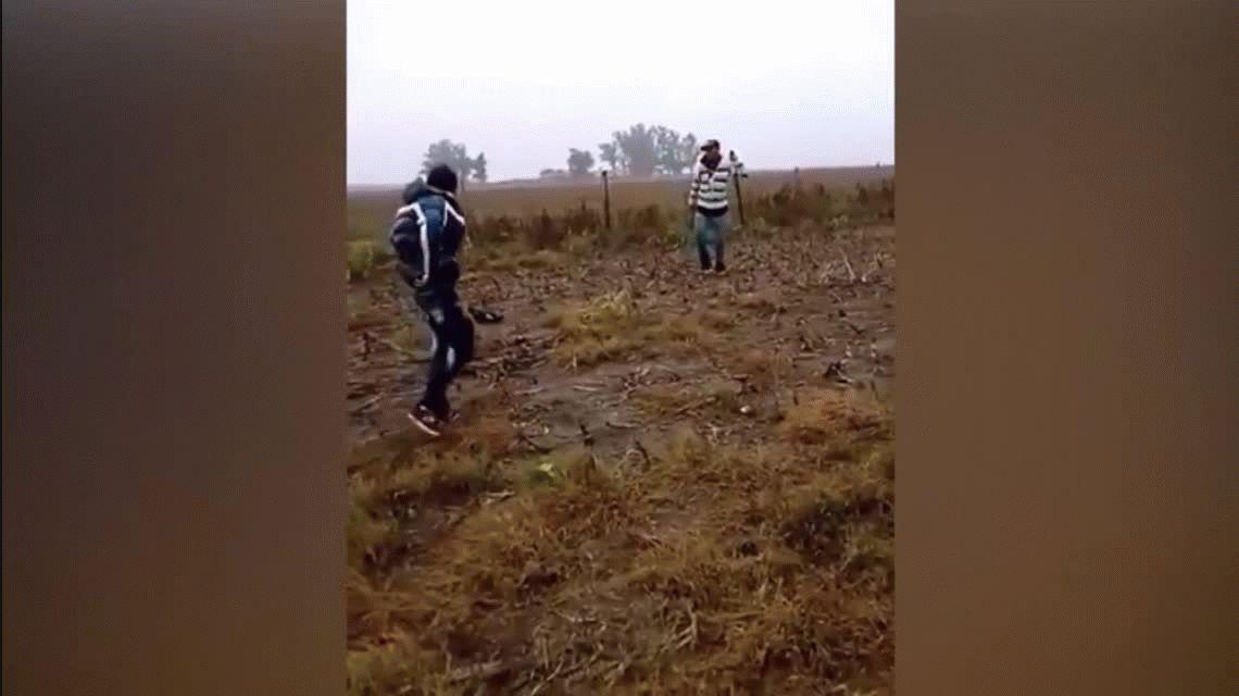 Horror en Córdoba: un grupo de jóvenes se filmó mientras mataban a un cachorro