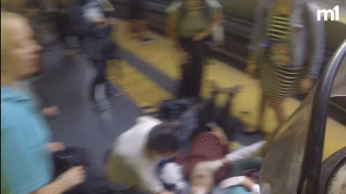 Donó sangre, se desmayó en una estación de subte y cayó en las vías