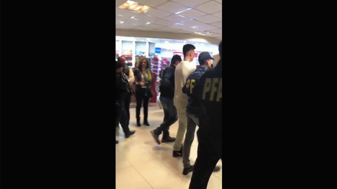 Indagan al futbolista Jonathan Fabbro tras su extradición de México