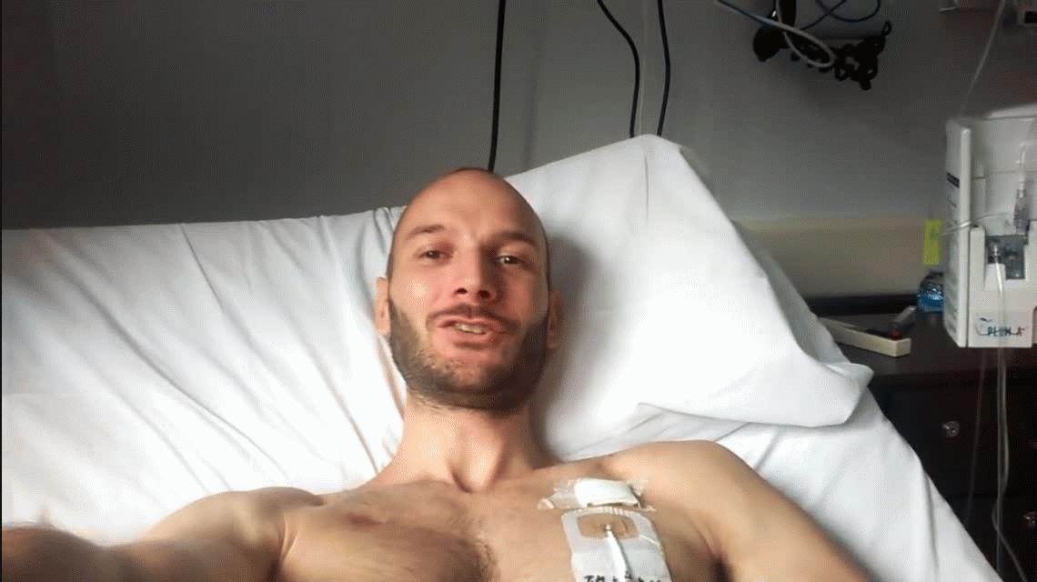 Un médico filmó su trasplante de médula y el video se viralizó