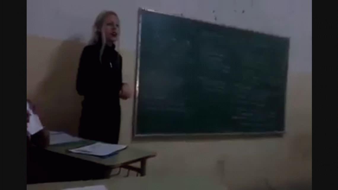 Escándalo por la profesora que dice que a Hitler lo demonizan pero no fue tan así como dicen