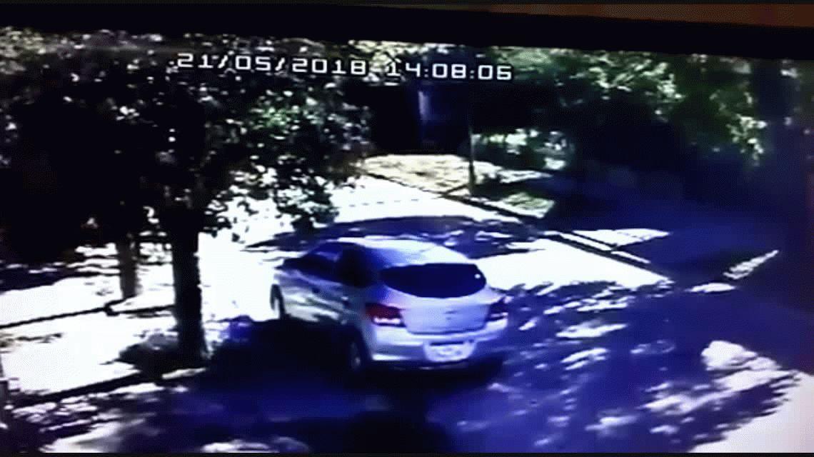 Burzaco: dos motochorros asaltaron a un chico de 15 años a la salida del colegio