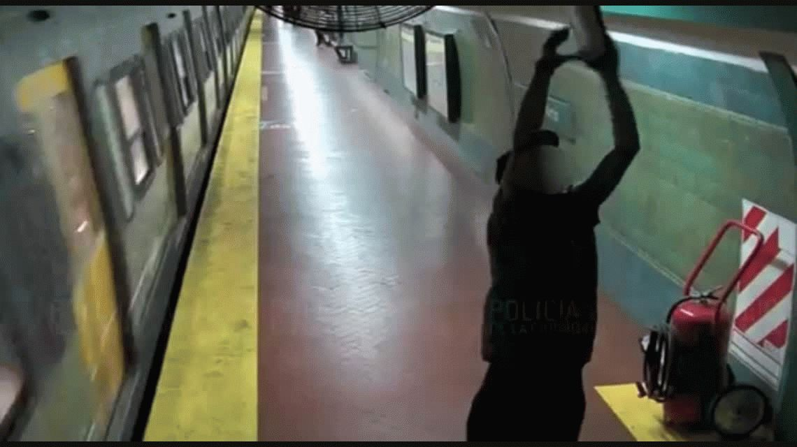 Detuvieron a un hombre que robaba luces de emergencia de los subtes