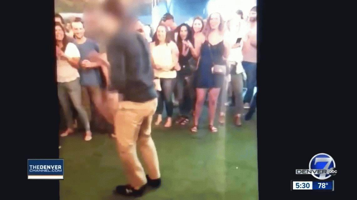 VIDEO: Un agente del FBI se puso a bailar en un bar y disparó accidentalmente a un hombre