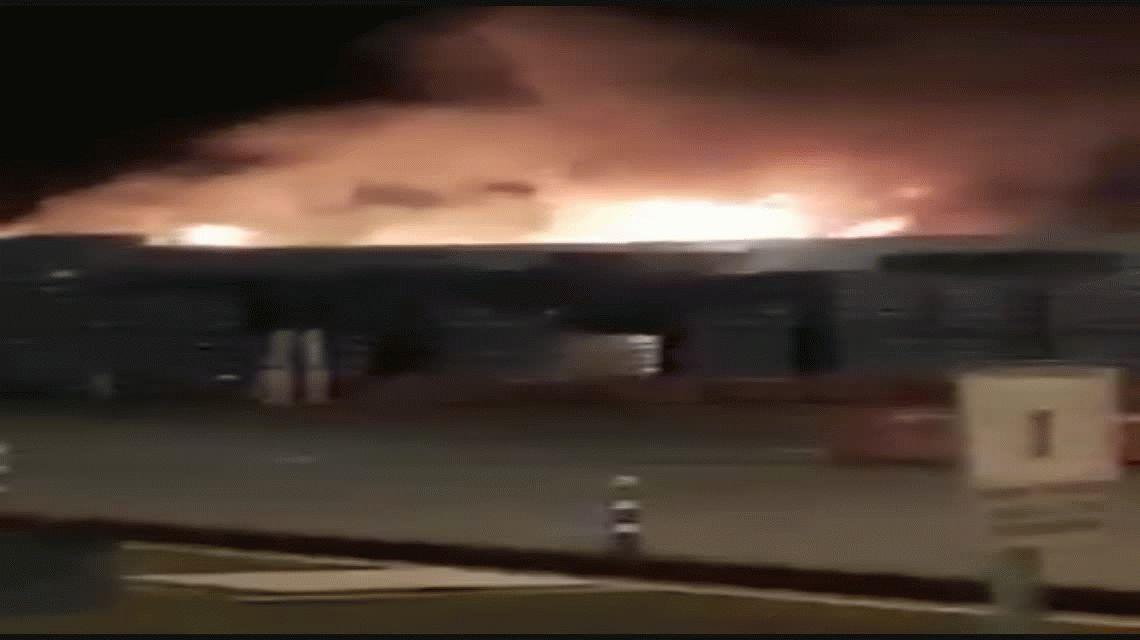 Zárate: se incendió el depósito de una cervecería