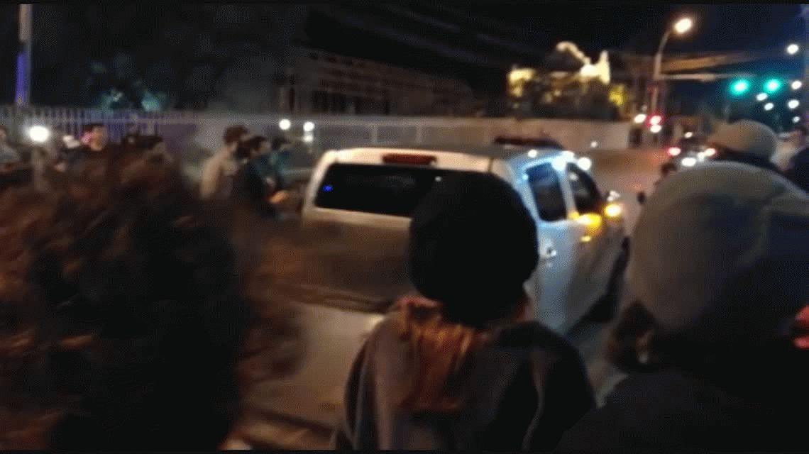 Atropellaron con una camioneta a manifestantes a favor del aborto legal, seguro y gratuito