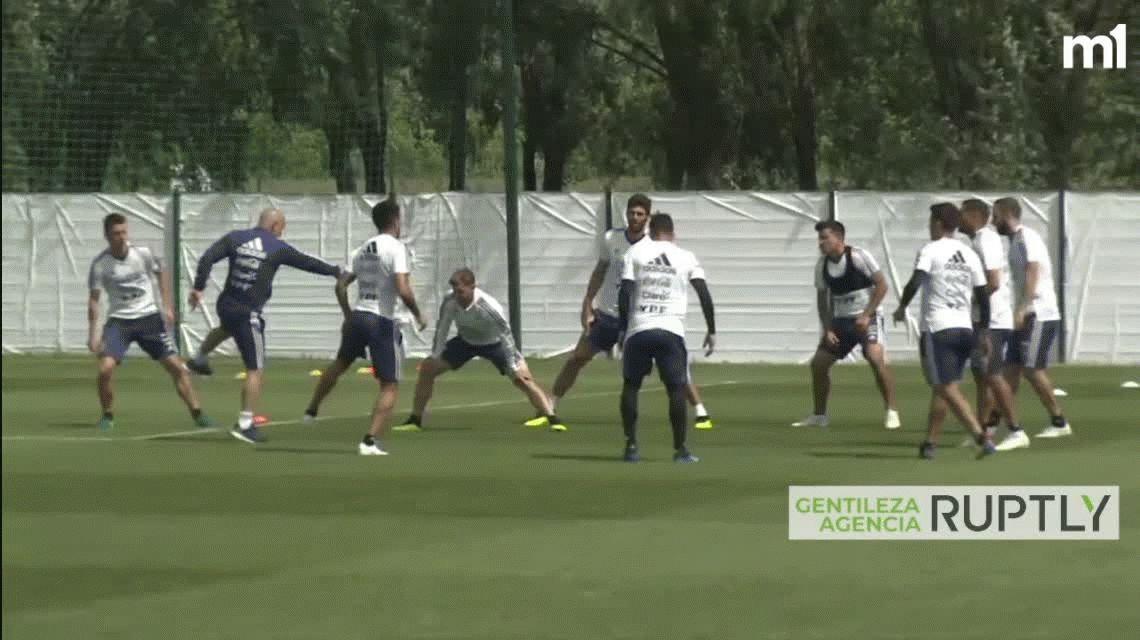 Respira Sampaoli: Banega entrenó con normalidad en la práctica de la Selección