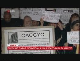 Vecinos convocan a un ruidazo para que baje el precio de las expensas en la Ciudad