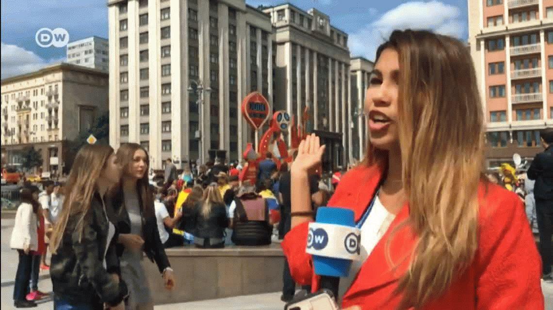 Una periodista fue acosada en vivo durante un móvil en el Mundial de Rusia