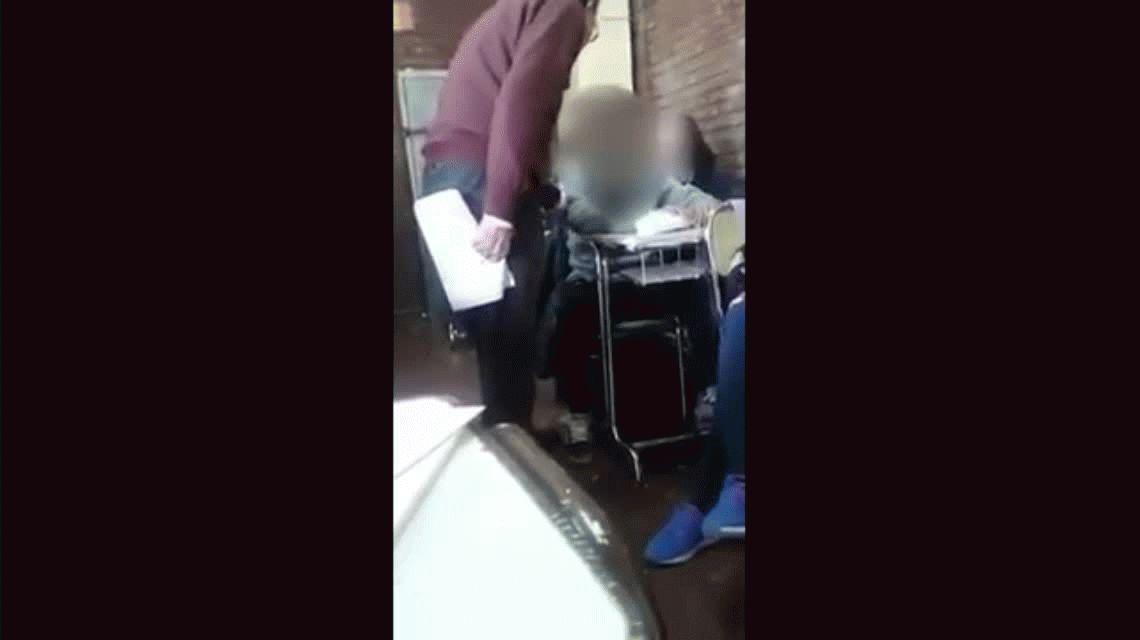 Mendoza: un docente maltrató y manoseó a un chico en clase