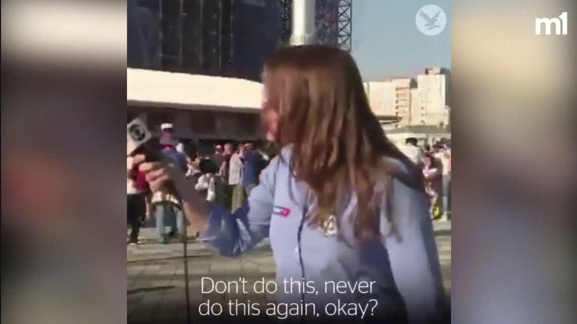 Otra periodista acosada al aire en el Mundial: ¡No te di permiso para eso!