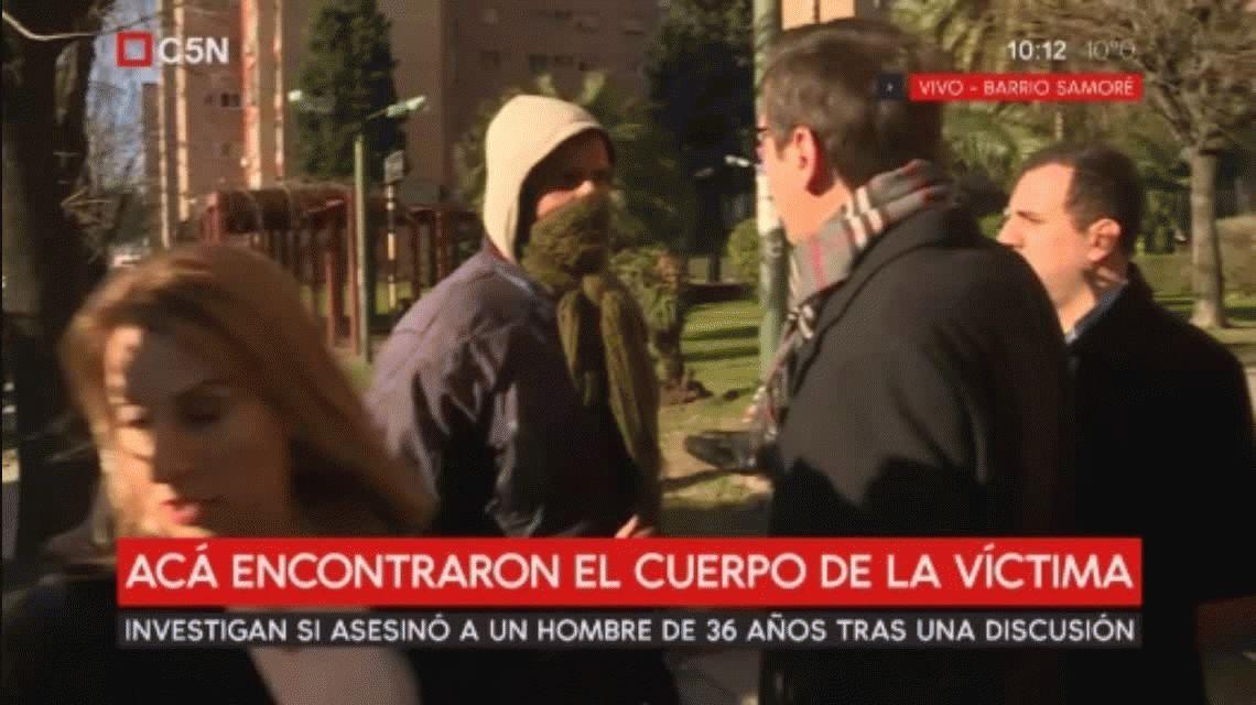 Un testigo que acusó a Pity Álvarez agredió a los periodistas en Villa Lugano