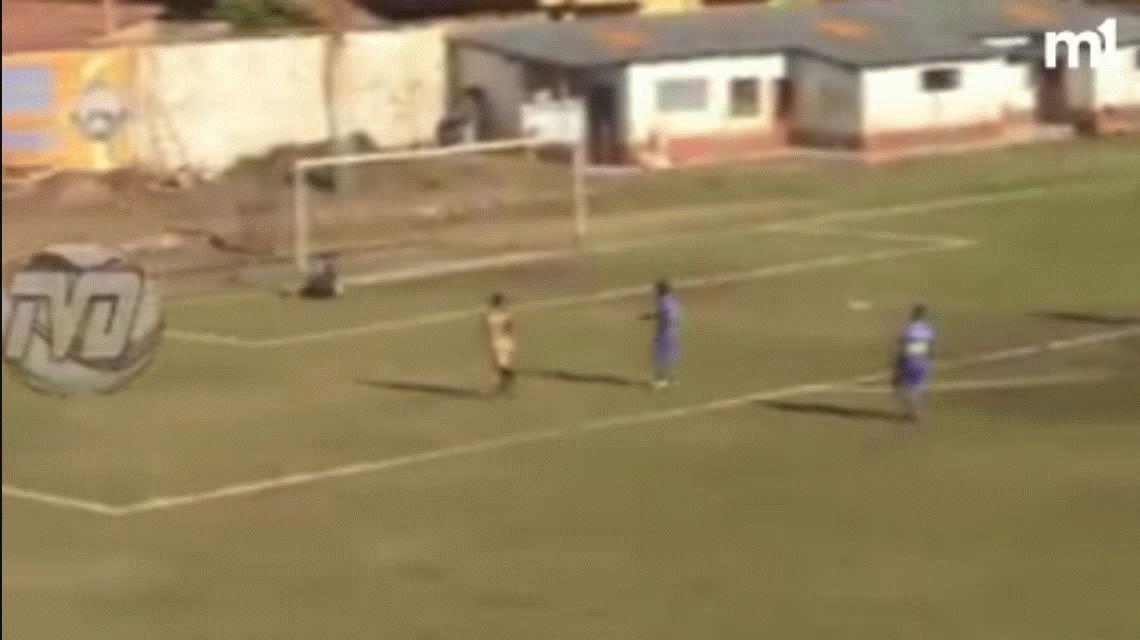 No se puede creer: el VAR llegó al fútbol peruano, pero de la manera más increíble