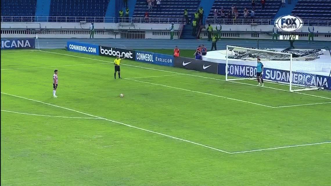 Lanús perdió ante Junior y por los penales se despidió de la Sudamericana