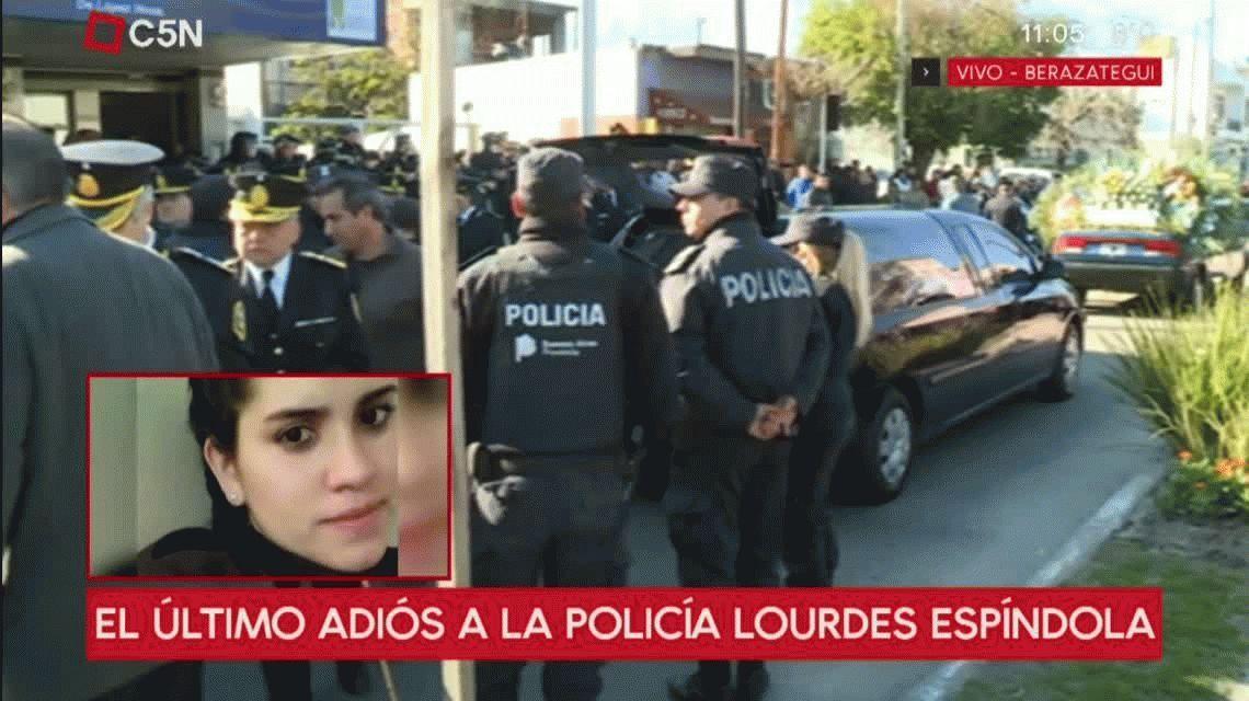Con la presencia del jefe de la Bonaerense, despidieron los restos de Lourdes Espíndola