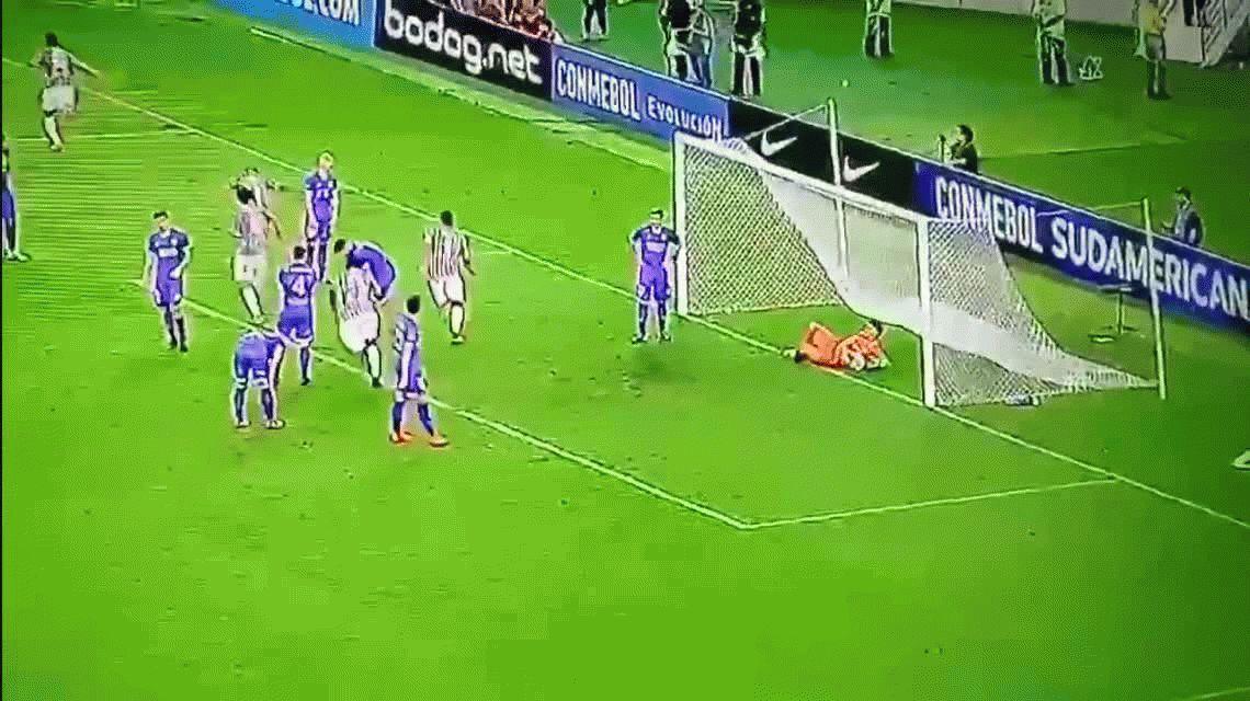 El espectacular gol olímpico del ecuatoriano Sornoza para Fluminense