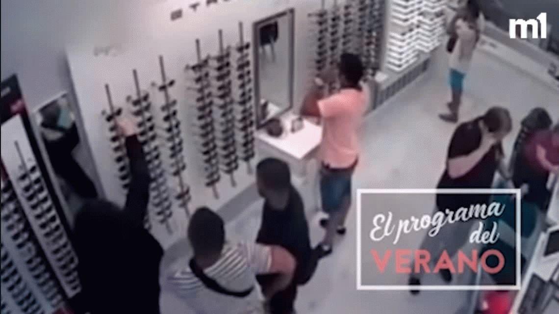 VIDEO: Los miembros de La Manada robaron un local antes de cometer el abuso