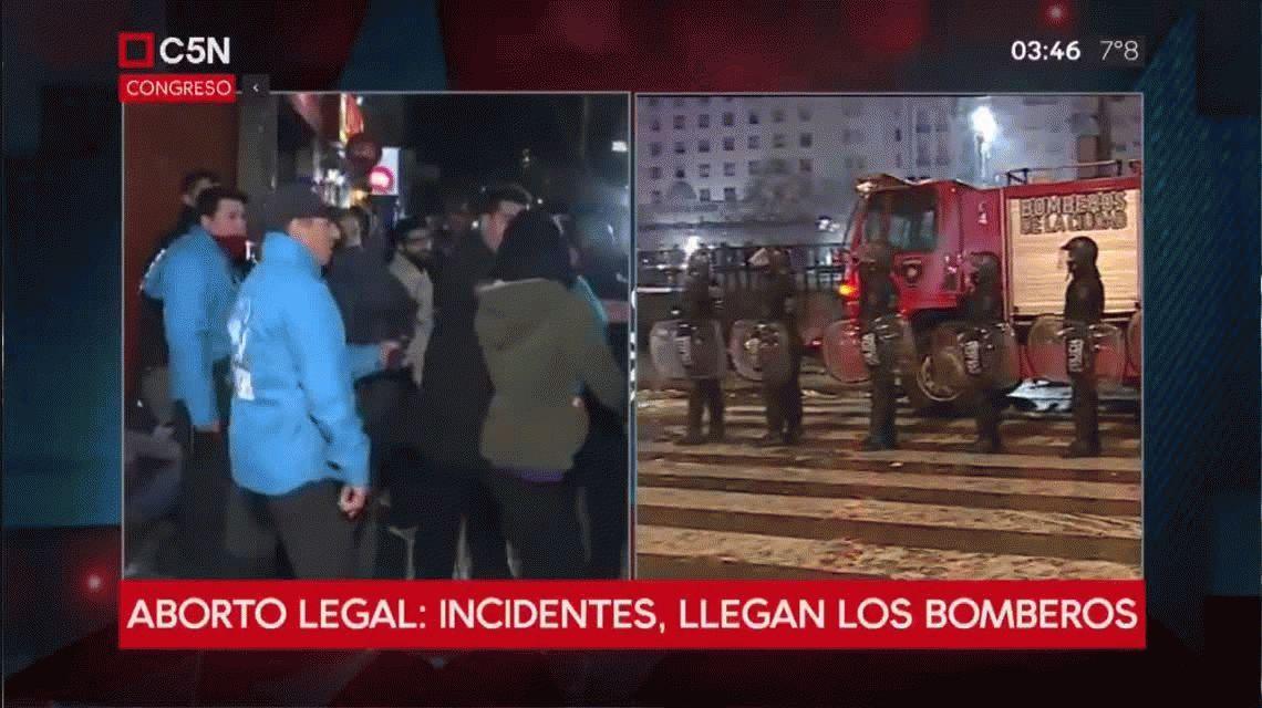 Incidentes, represión, heridos y detenidos tras el no al aborto legal, seguro y gratuito