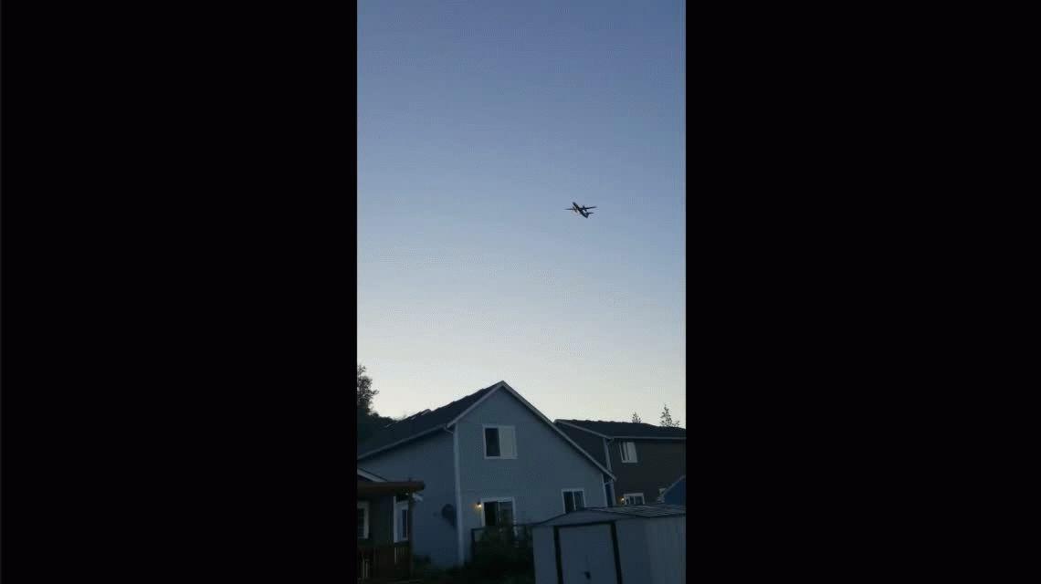 Robó un avión de la empresa en la que trabajaba para estrellarlo y quitarse la vida