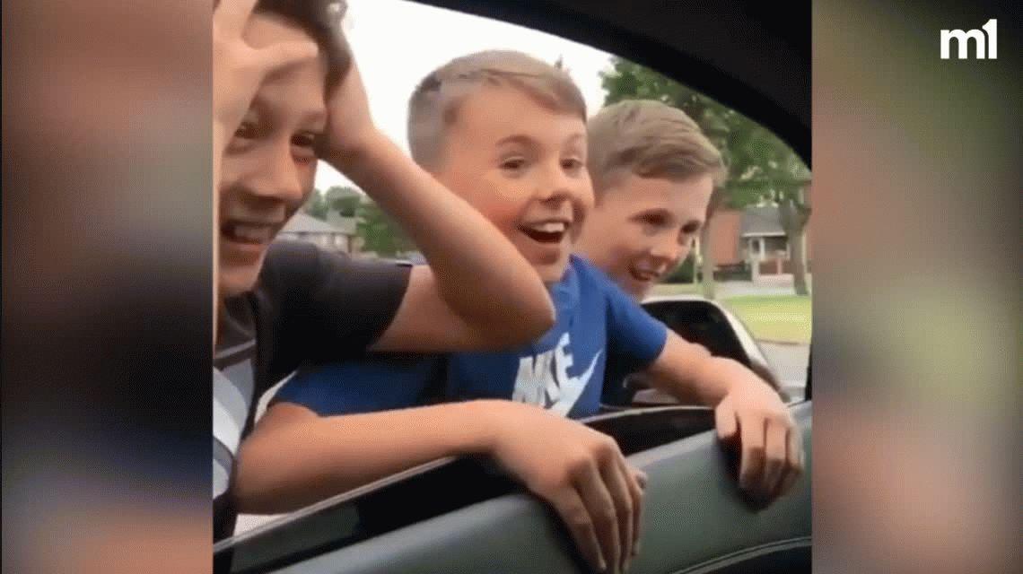 El inglés Jesse Lingard y una actitud inigualable con niños en la calle