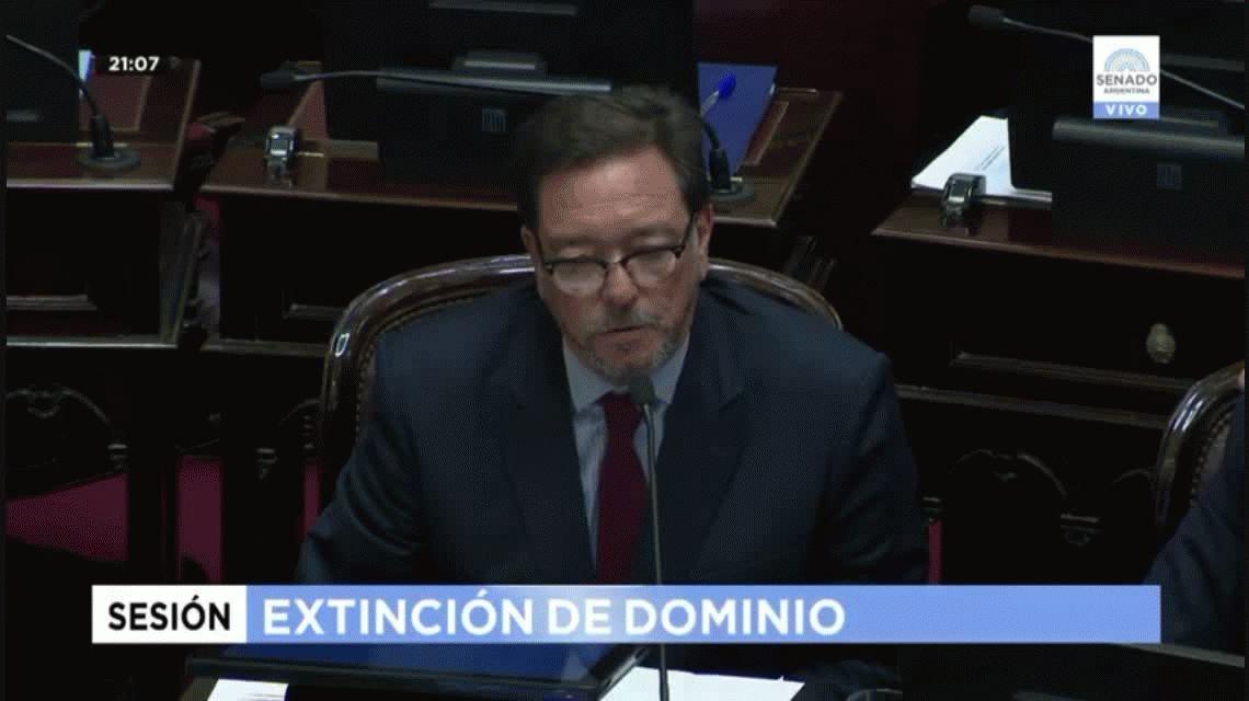 VIDEO: Un senador quiso hablar de las muertes por abortos clandestinos y Michetti lo frenó
