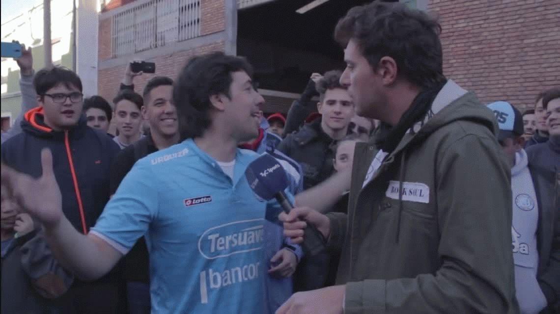 En la previa del partido de Belgrano, un hincha hizo aparecer ¡un asado!