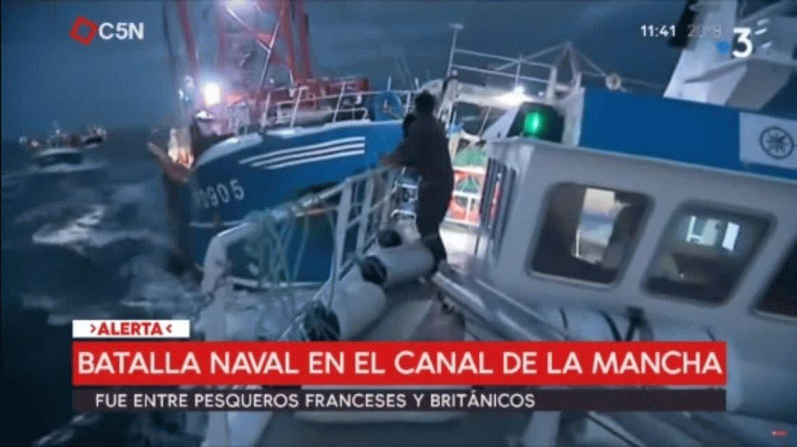 Terrible batalla de barcos en el Canal de la Mancha: británicos y franceses luchan en alta mar