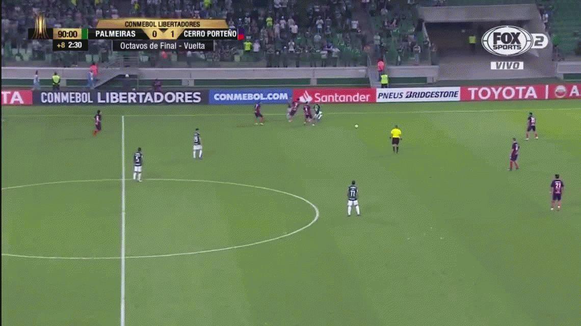 El ridículo show de Deyverson de Palmeiras: simuló infracciones y lo terminaron expulsando