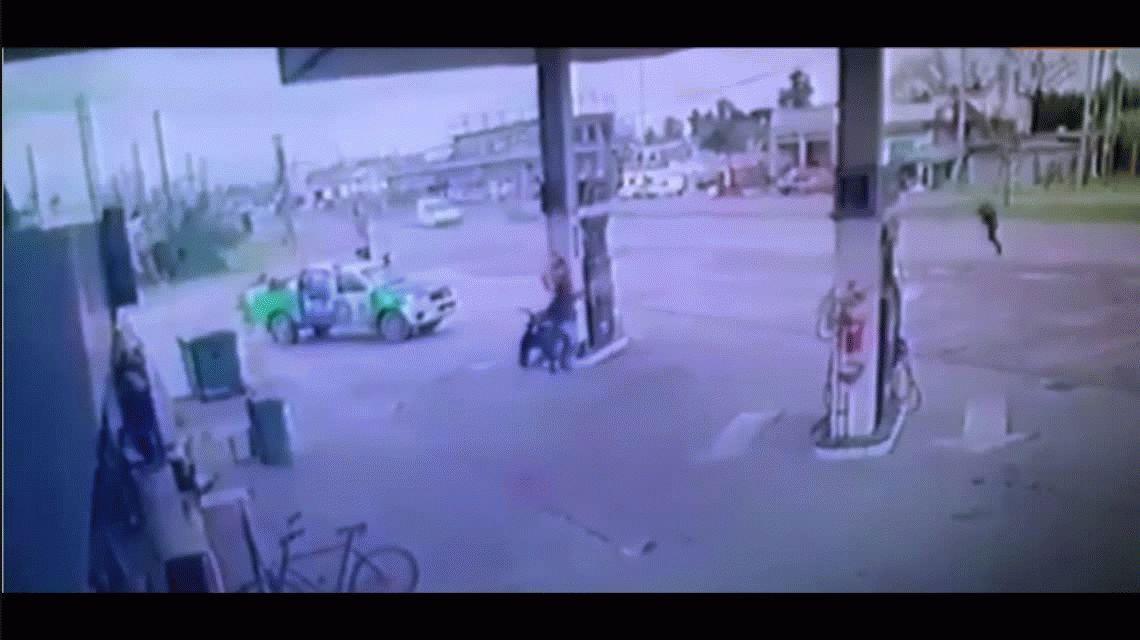 Impactante tiroteo  en una estación de servicio de Glew